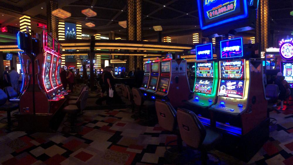 Casino2.thumb.png.bce2d5d1662dfb25a89cb74aec9a09c2.png